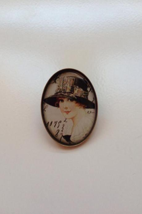 Pin 83 - old school pin old woman image brooch perfect gift vintage style autumn winter fashion