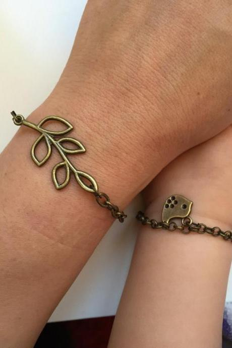 Mother Daughter Bracelets 204- love motherhood bronze chain bird bracelet gift adjustable Lovely Filigree Tree Five Leaves Leaf Charm